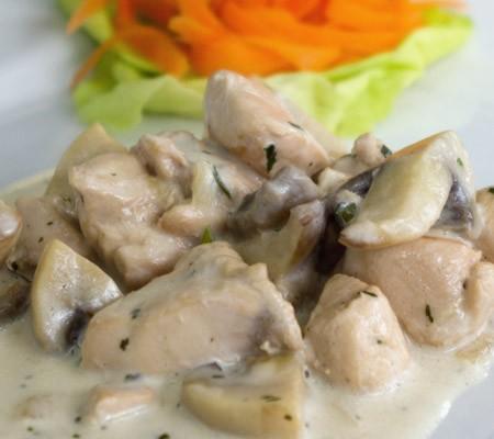 Piept de pui cu ciuperci și smântână