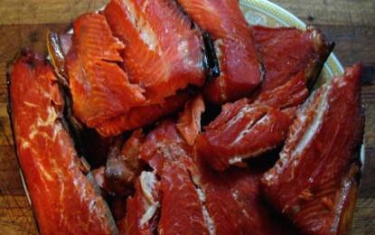 Salată de pește afumat (cu cartofi)