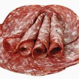Salam de casă din carne de curcan și vițel