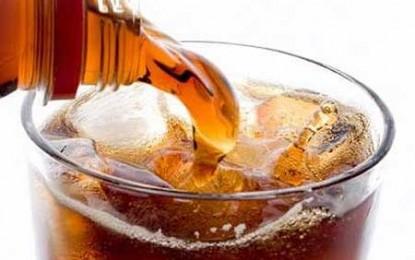 """Băuturile carbogazoase """"light"""" sunt mai periculoase pentru sănătate decât cele normale"""