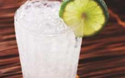 Șapte cocktail-uri cu multă gheață