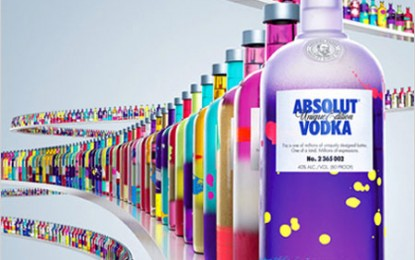 O gamă de 4 milioane de sticle, fiecare având un design diferit!