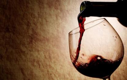 Bei vin roșu, nu surzești!