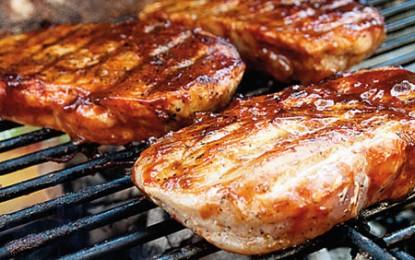 Friptura la grătar e mai sănătoasă dacă ați ținut mai întâi carnea în bere