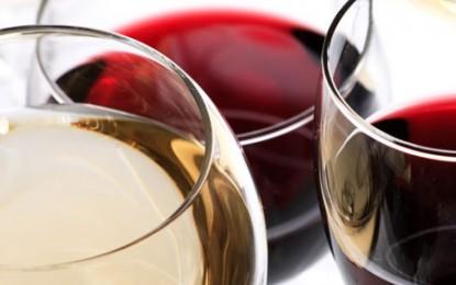 Românii și vinul: cât producem și cât bem?