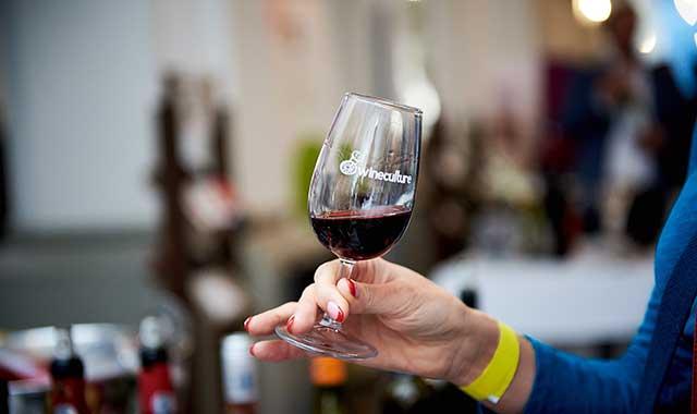 Luna vinului la Iasi