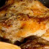 Friptură de miel la tavă cu usturoi