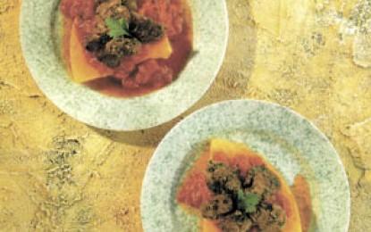 Ficăței de pasăre cu sos de roșii și mămăligă prăjită