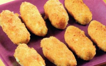 Crochete pané de cartofi umplute cu brânză