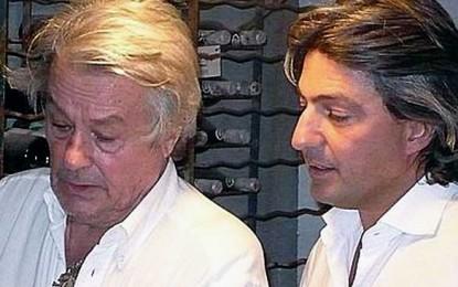 Alain Delon își scoate la licitație colecția de vinuri