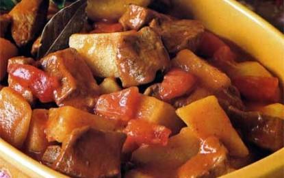 Gulaș de vițel cu cartofi