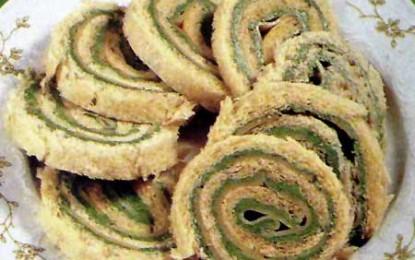 Sandviciuri rulate, cu brânză și verdețuri
