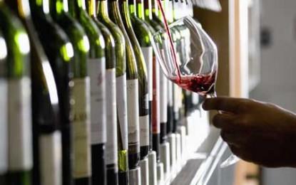 Vinul la pahar își face loc pe mesele de lux