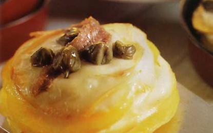 Mini-tarte de cartofi cu cașcaval afumat