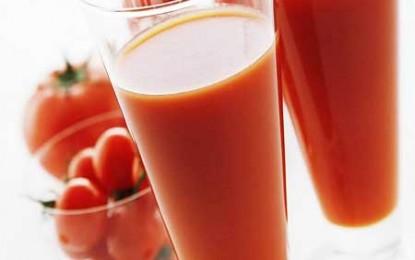 Ai băut un pahar în plus? Nu-i nimic, se rezolvă cu suc de roșii!