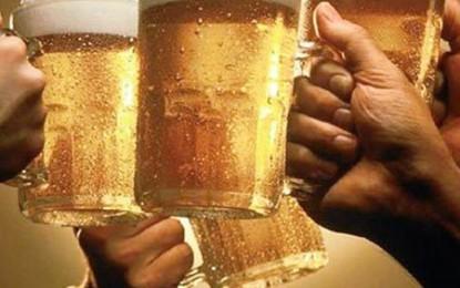 Ați răcit? Beți multă bere!