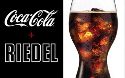 Riedel s-a săturat de vin, trece pe Coca-Cola!