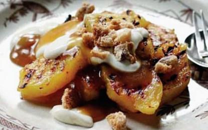 Ananas la grătar cu sos Butterscotch